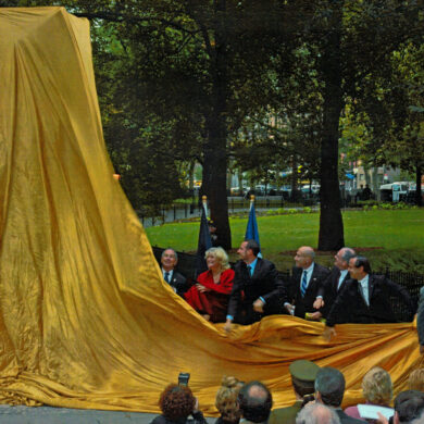 Nobel Monument Dedication Ceremony, October 14, 2003 From left: Mayer of New York City Michael R. Bloomberg, Deputy Prime Minister of Sweden Margareta Winberg, H.R.H. Crown Prince Haakon of Norway, Consul General of Sweden Olle Wästberg, Science Advisor to President Bush and Director of the Office of Science and Technology Dr. John Marburger III, Parks Commissioner Adrian Benepe, Nobel Laureate Eric Kandel and the designer of the Monument Sivert Lindblom Photo: Catarina Lundgren Åström