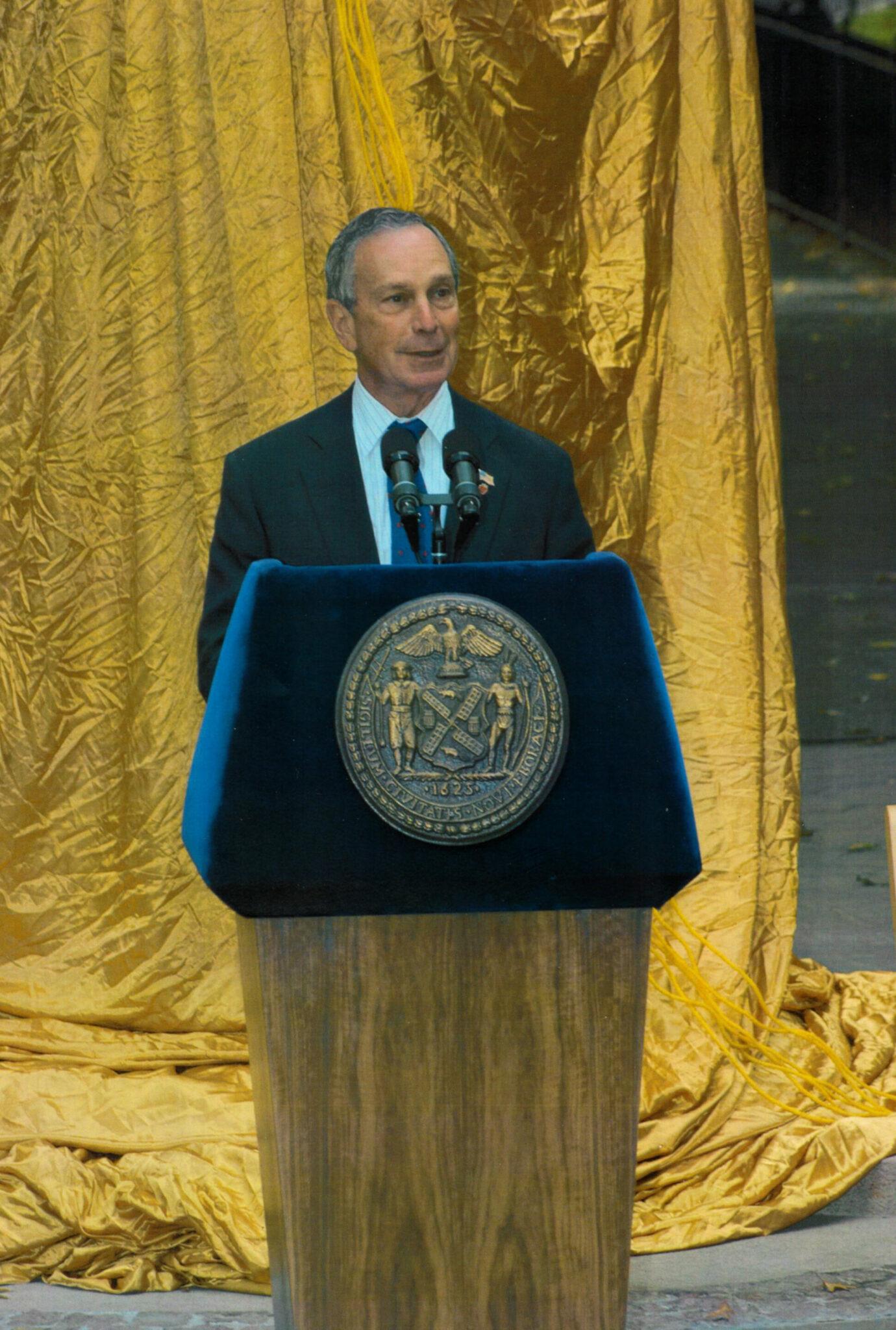 Sivert Lindblom » Nobelmonument New York 2003