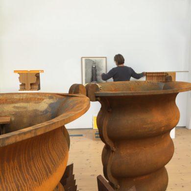 Bronsurnan och andra gjutjärnselement är gjutna av Månsarp gjuteri Foto: Magnus Lindblom