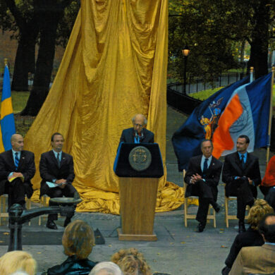 Nobel Monument Dedication Ceremony, October 14, 2003 Speaker: Mayer of New York City Michael R. Bloomberg Photo: Catarina Lundgren Åström