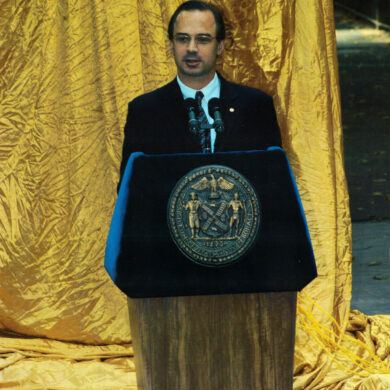 Nobel Monument Dedication Ceremony, October 14, 2003 Speaker: Park Commissioner Adrian Benepe Photo: Catarina Lundgren Åström